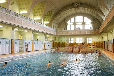 Swimming pool subscription reduced rate - Council of