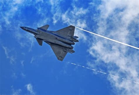 China's J-20 fighter jet to debut at Zhuhai Air Show | The