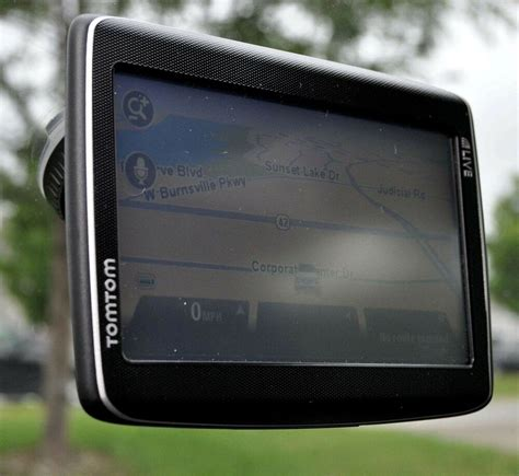 """NEW TomTom GO LIVE 1535M Car GPS 5"""" LCD USA/Can/Mexico"""