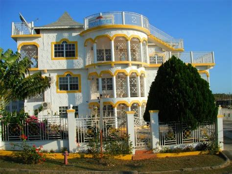 Star Castle Guest House (White House, Jamaica) - Guest